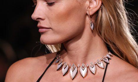 Часы &Караты: гости парижского показа коллекции High Jewellery Messika, созданной вколлаборации сКейт Мосс