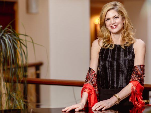 Women inPower: Кери-Линн Уилсон— первая женщина-дирижер вистории Большого театра