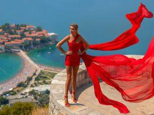 #Travel<b><strong><em>In</em></strong></b>Fashion бизнесвумен Ольга Сыроватская&nbsp;&mdash; о&nbsp;самых красивых местах в&nbsp;Черногории, поющих чашах&nbsp;и... Wicked Game