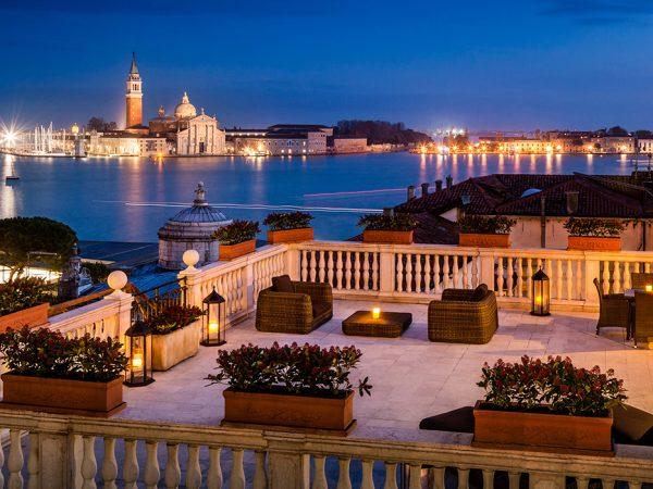 Тревел-дайджест: реновация Baglioni Hotel Luna вВенеции, Expo-2020в Дубаеи... новый кот-консьерж вLeBristol Paris