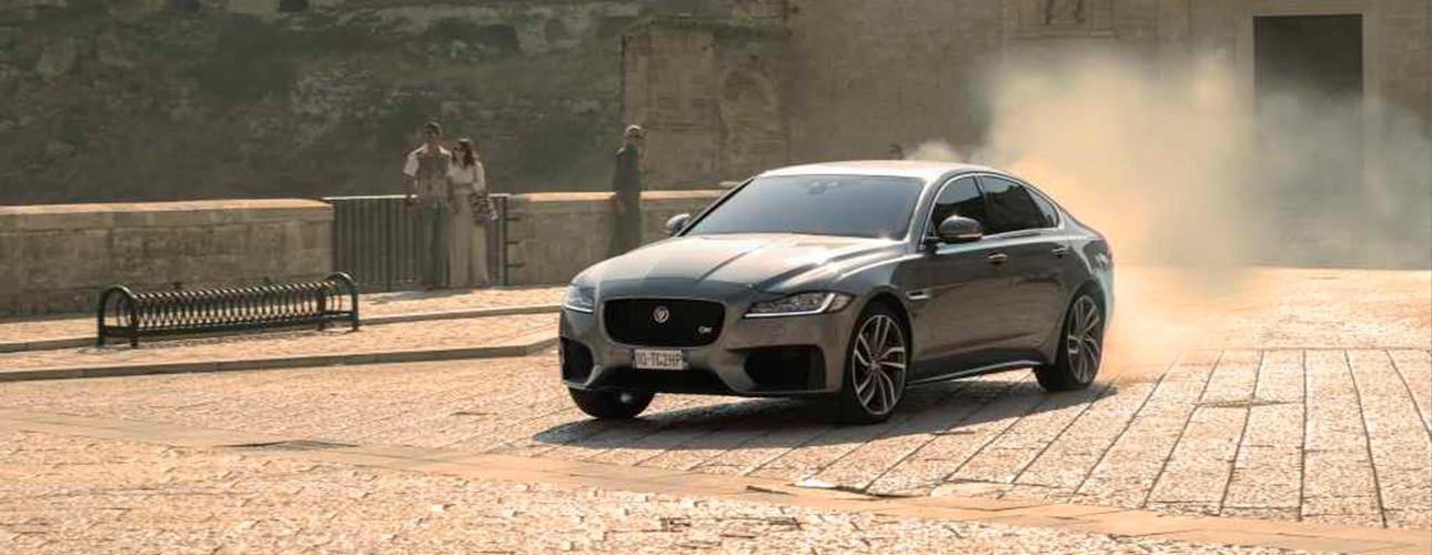 «Невремя умирать»: автомобили Jaguar Land Rover вновой серии бондианы