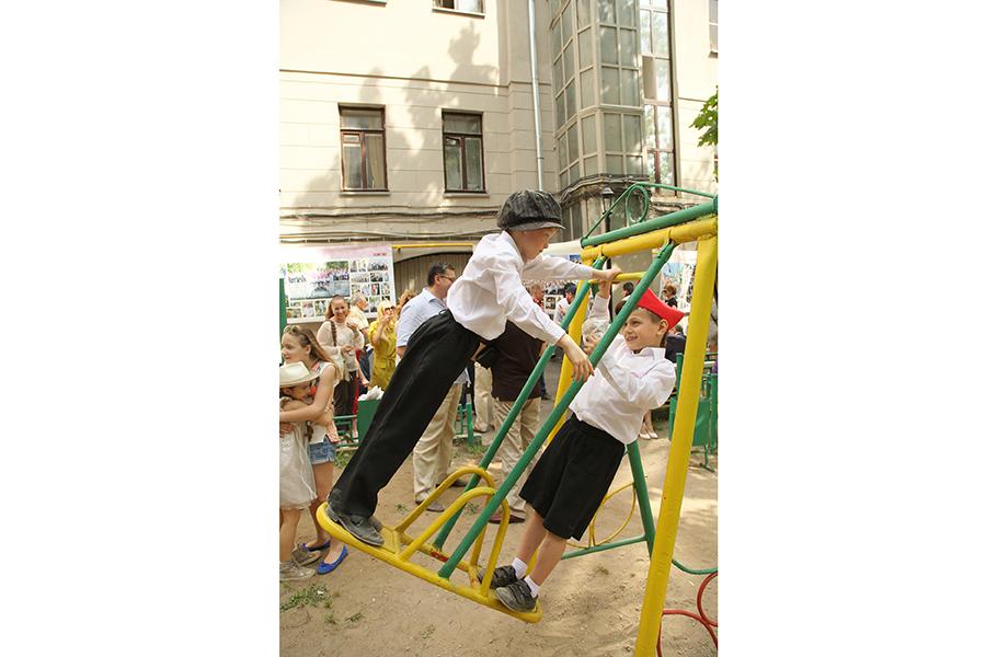 Исполнительный директор Московского музея современного искусства Василий Церетели с женой Кирой Сакарелло