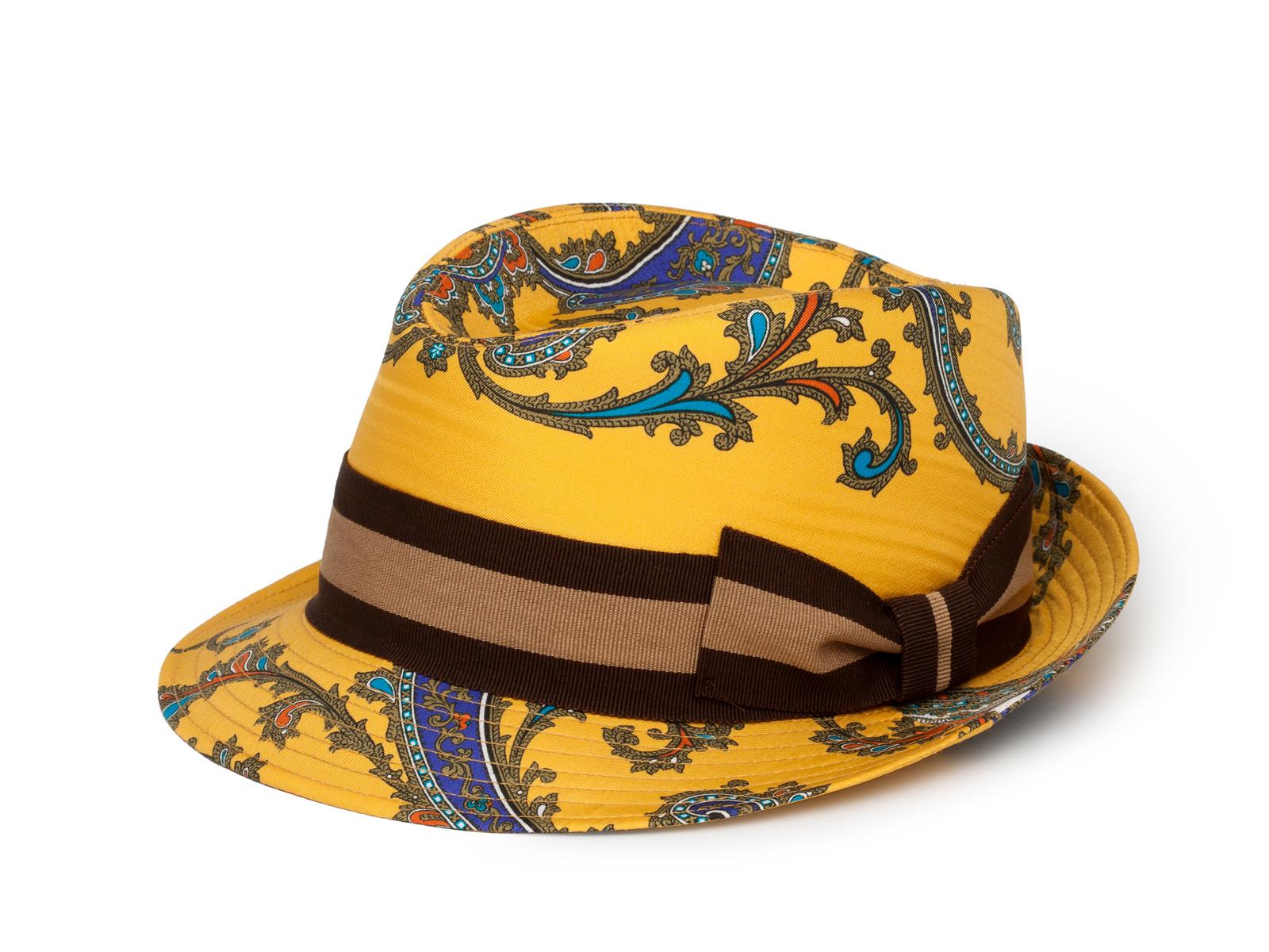 Шляпа, Dolce & Gabbana  Третьяковский пр-д., 8, тел.(495) 933 3376