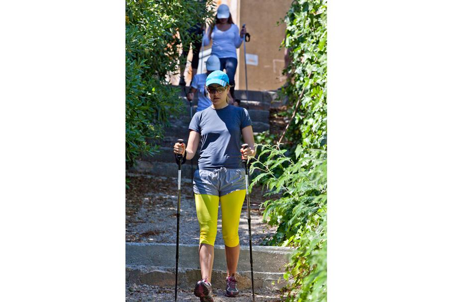 Ира Вольская (Quintessentially), в отличие от меня, Nordic Walking занимается постоянно, но даже ей наша 4-х часовая ежедневная программа показалась… насыщенной