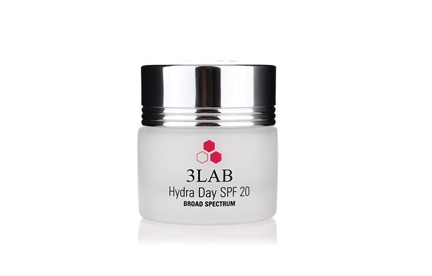 Увлажняющий крем наводной основе Hydra Day SPF 20, 3LAB, защищает кожу отвредного воздействия окружающей среды исолнечного излучения благодаря набору мощных натуральных полифенольных антиоксидантов исовременных увлажняющих компонентов.