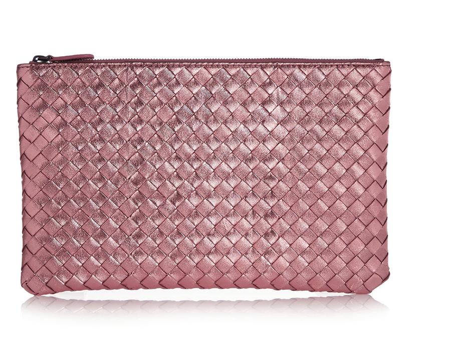 Розовый клатч из металлизированной кожи Bottega Veneta