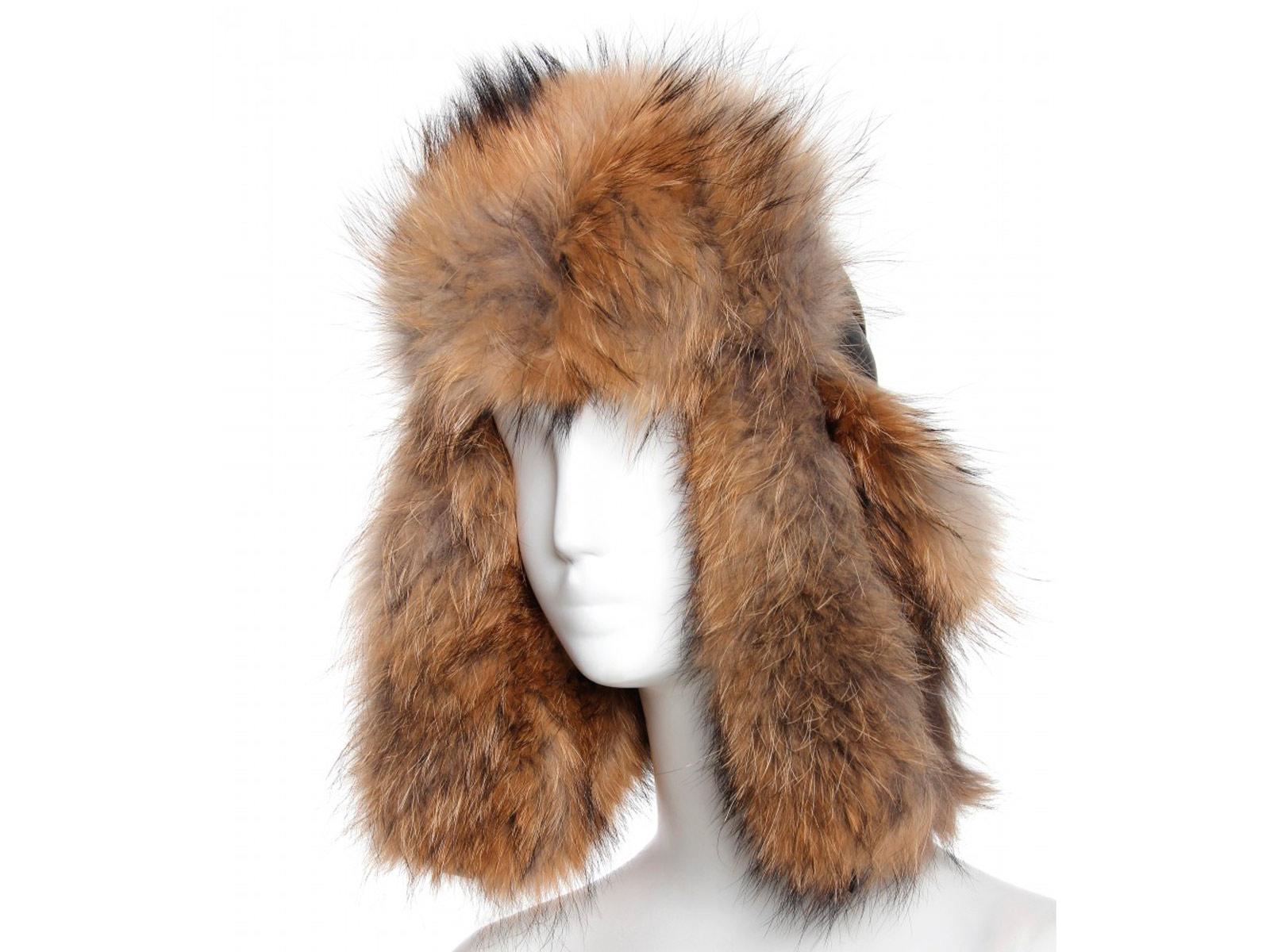 Шапка,    Moncler  www.mytheresa.com цена  31 000 руб.