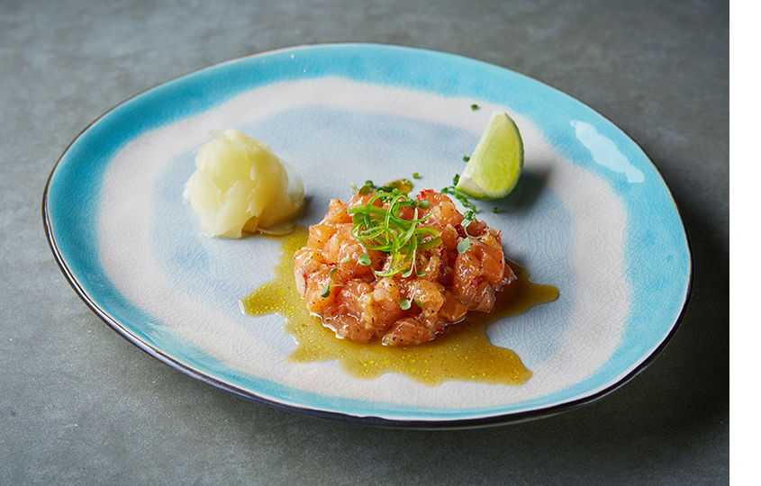 Севиче из лосося с соусом ахи амарилло и лаймом