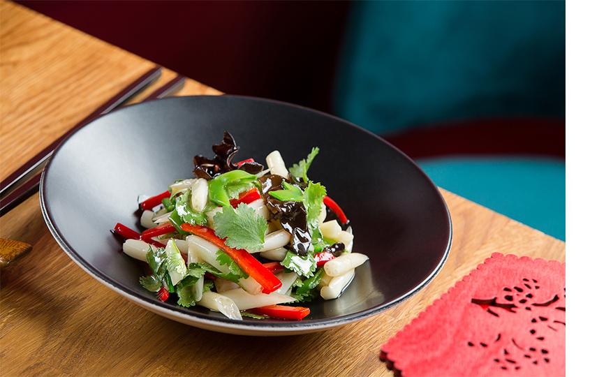 Салат из маринованного лотоса Хуа Чен