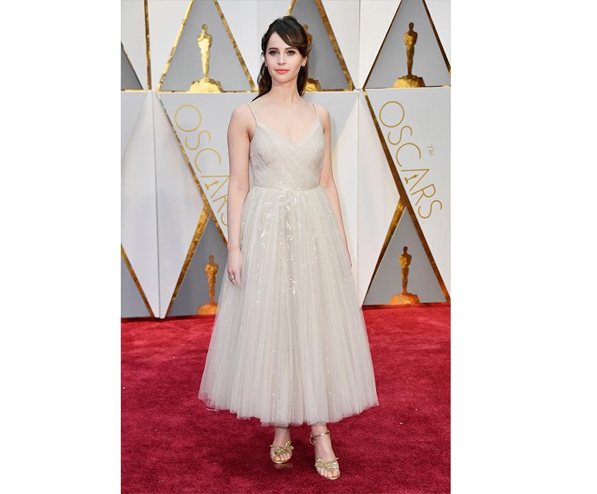 Фелисити Джонс нацеремонии «Оскар», 2017 год