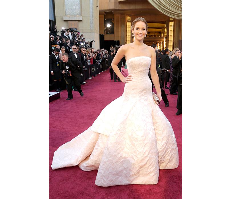 Дженнифер Лоуренс нацеремонии «Оскар», 2013 год