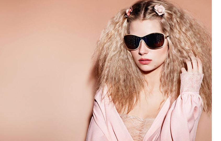 Лотти Мосс врекламе Chanel Eyewear