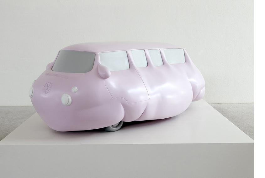 Эрвин Вурм. Модель ожиревшего автобуса. 2016