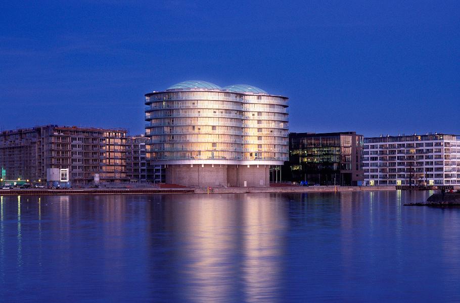 Gemini Residences— жилой дом вКопенгагене, построенный наместе двух силосных башен, дизайн-бюро MVRDV, Копенгаген, Дания