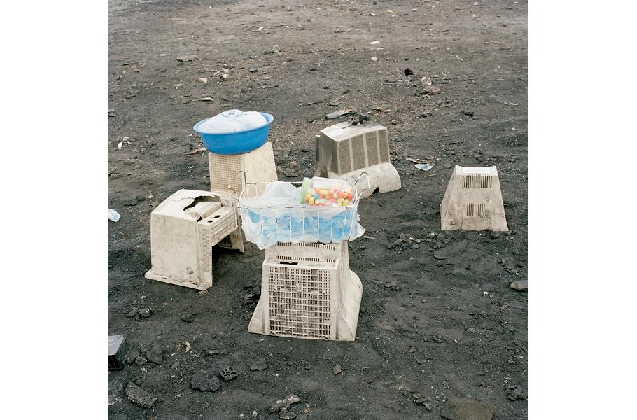 Фото-выставка Permanent Error Питера Хьюго