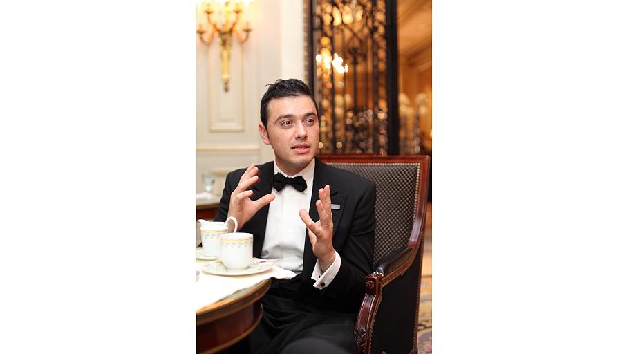Вэтом году Габриель получил премию как «лучший сомелье Италии»