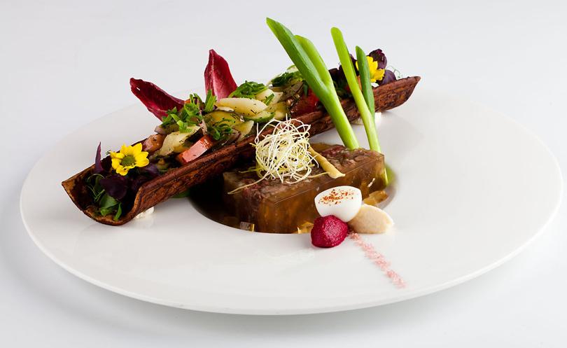 здесь по-прежнему подача блюд европейских ресторанах фото одно
