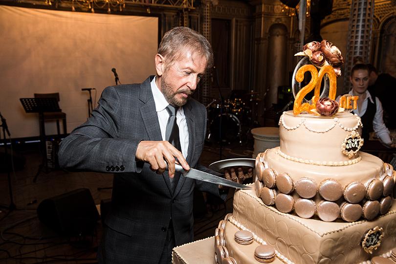 Светская хроника: день рождения «Посольства красоты» в ресторане «Турандот». Андрей Деллос