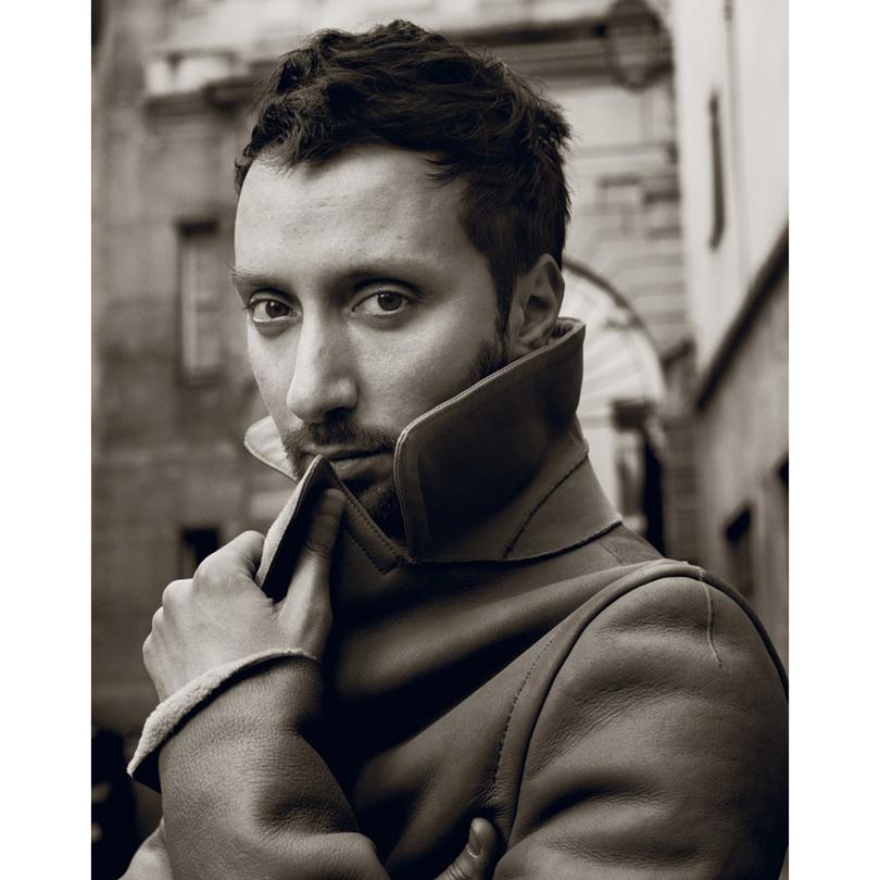 Style Notes: Кто такой Энтони Ваккарелло и чего стоит ожидать от нового креативного директора Yves Saint Laurent?