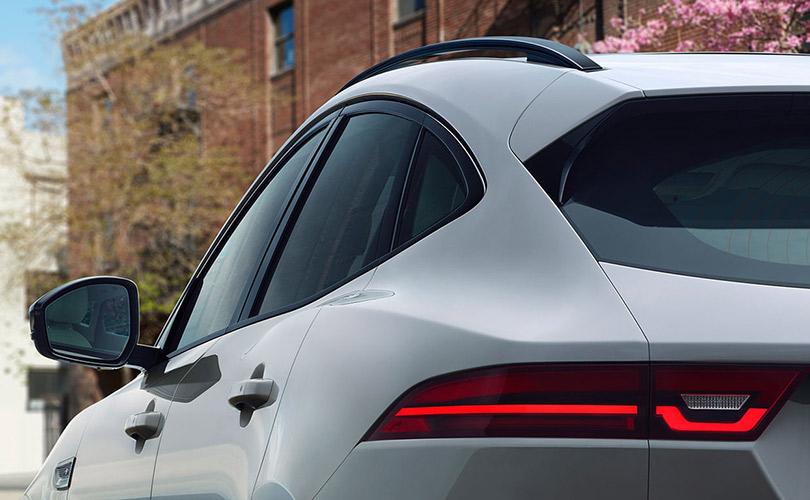 Jaguar E-Pace: самая выгодная покупка сезона