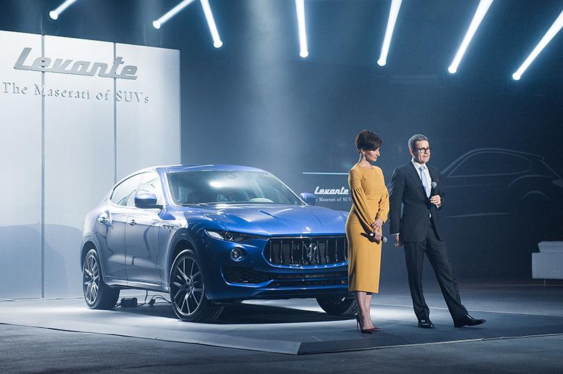 Светская хроника: первый кроссовер Maserati в Москве. Ведущая Софико Шеварднадзе и министр-советник посольства Италии Микеле Томази