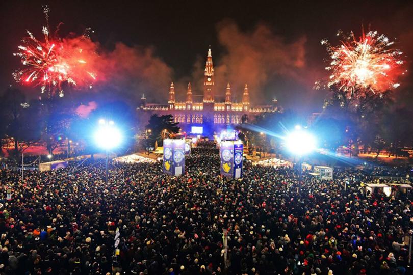 Новый год в Вене: вальс и фейверверк