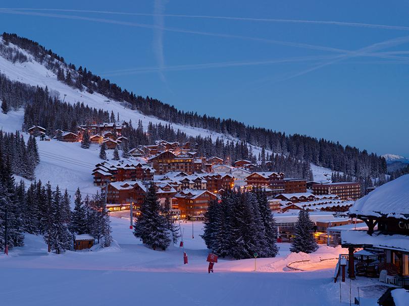 Идея на каникулы: открываем лыжный сезон на самой известной трассе Куршевеля в обновленном Aman Le Mélézin