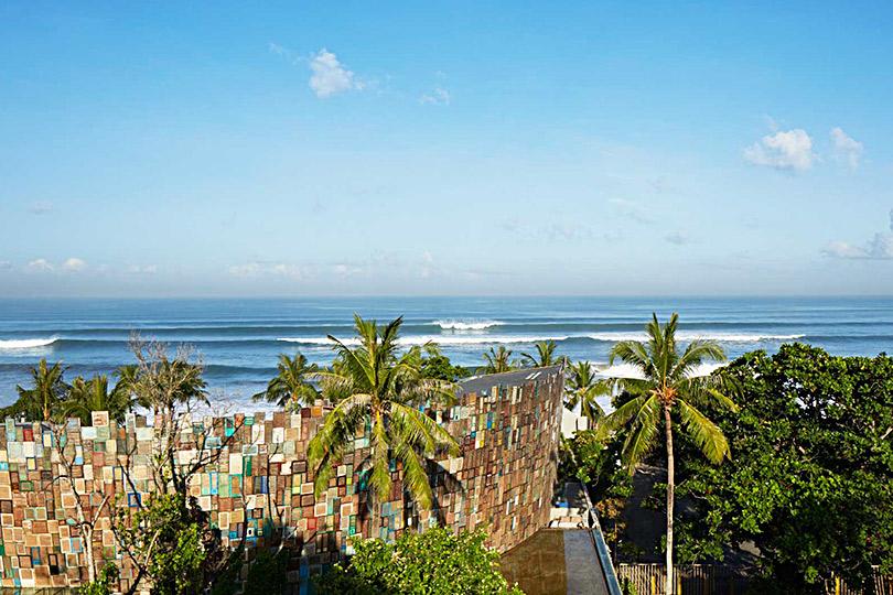 Куда поехать наНовый год: праздничный карнавал впляжном клубе-колизее Potato Head Beach Club наБали