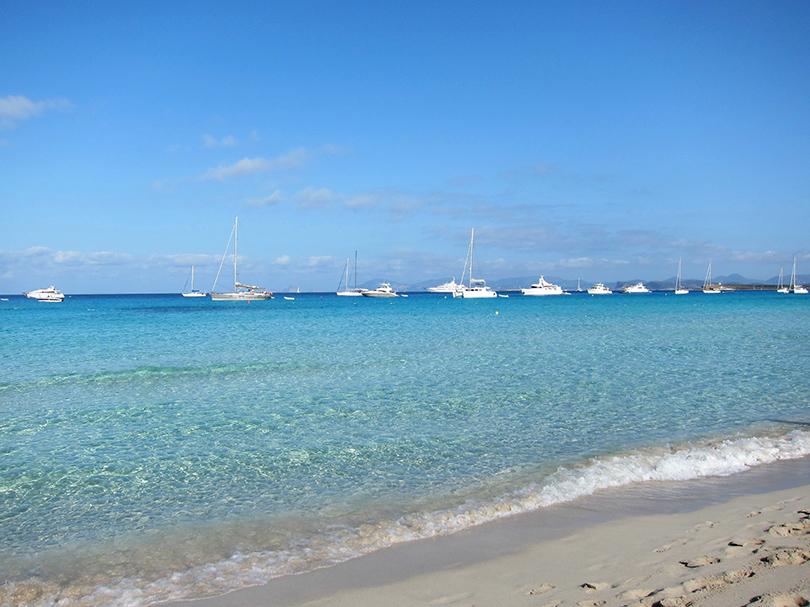 Пляж Playa de Ses Illetes, расположенный на Форментере
