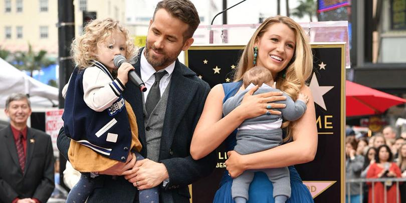Пара недели: Блейк Лайвли иРайан Рейнольдс впервые вышли всвет сдвумя детьми