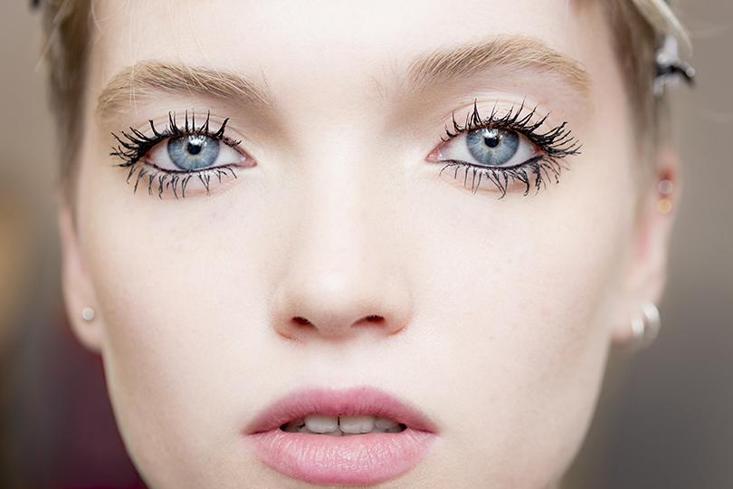 Как повторить макияж иукладку споказа Dior, если вынеПитер Филипс инеГвидо Палау. Глаза