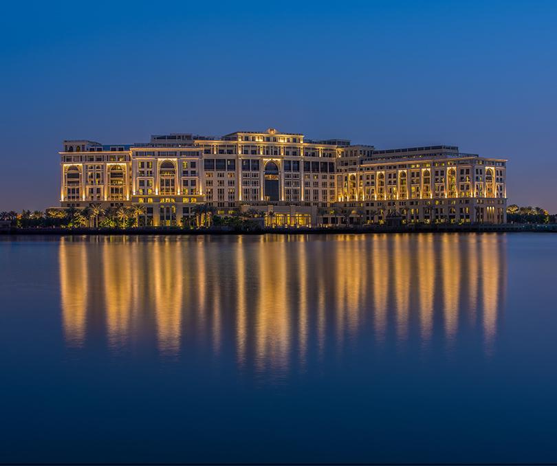 Ресторан Enigma в отеле Palazzo Versace Dubai