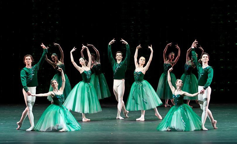 КиноТеатр: балет покажут на фасаде здания Большого театра «в прямом эфире»