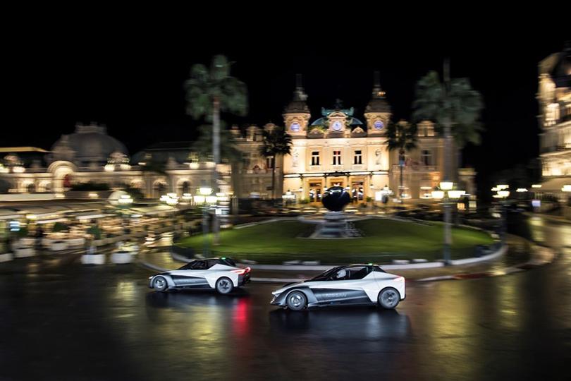 Авто: ночная гонка Марго Робби вМонако