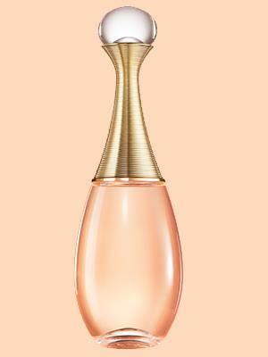 Чем пахнет май: морская соль, свежесть кипарисов иаромат фиалки. Манифест счастья сJ'adore InJoy, Dior