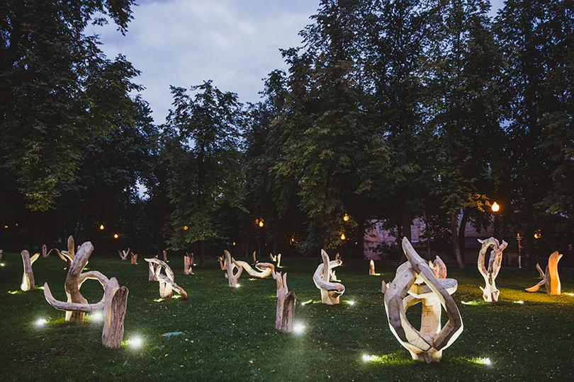 Светская хроника: открытие инсталляции Николая Полисского в Парке Горького.