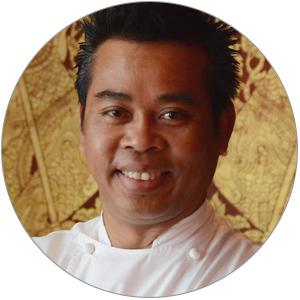 Лучший тайский шеф Парижа и обладатель звезды Мишлен Отт Сомбат