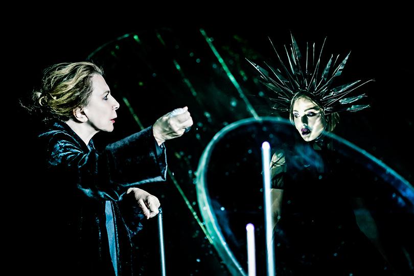 КиноТеатр: Deus conservat omnia. Спектакль «Ахматова. Поэма без героя» в«Гоголь-центре»