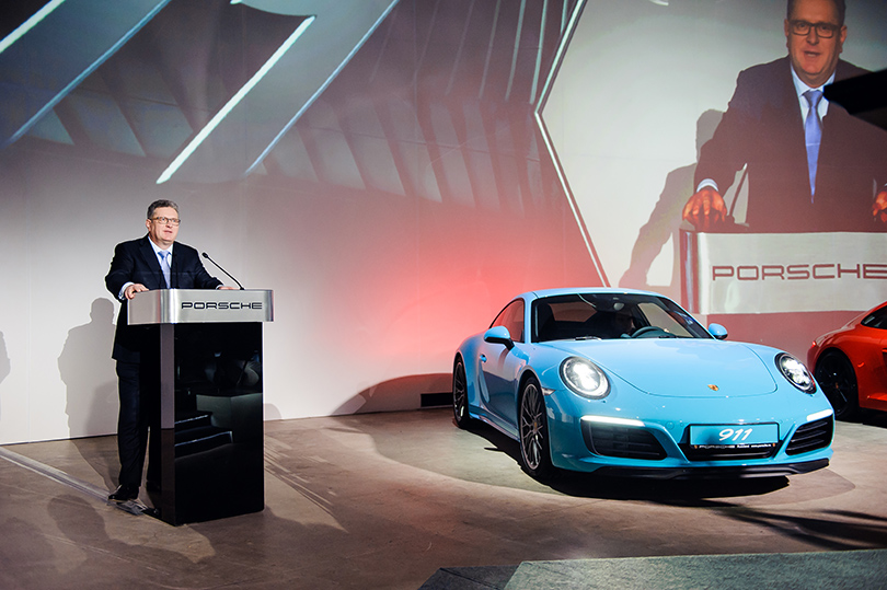 Авто: светская премьера новой модели легендарного Porsche в Москве. Томас Штэрцель