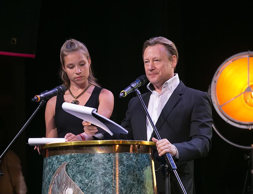 В Москве вручили премии в области изобразительного искусства «Вера». Дмитрий Харатьян и Мария Киселева