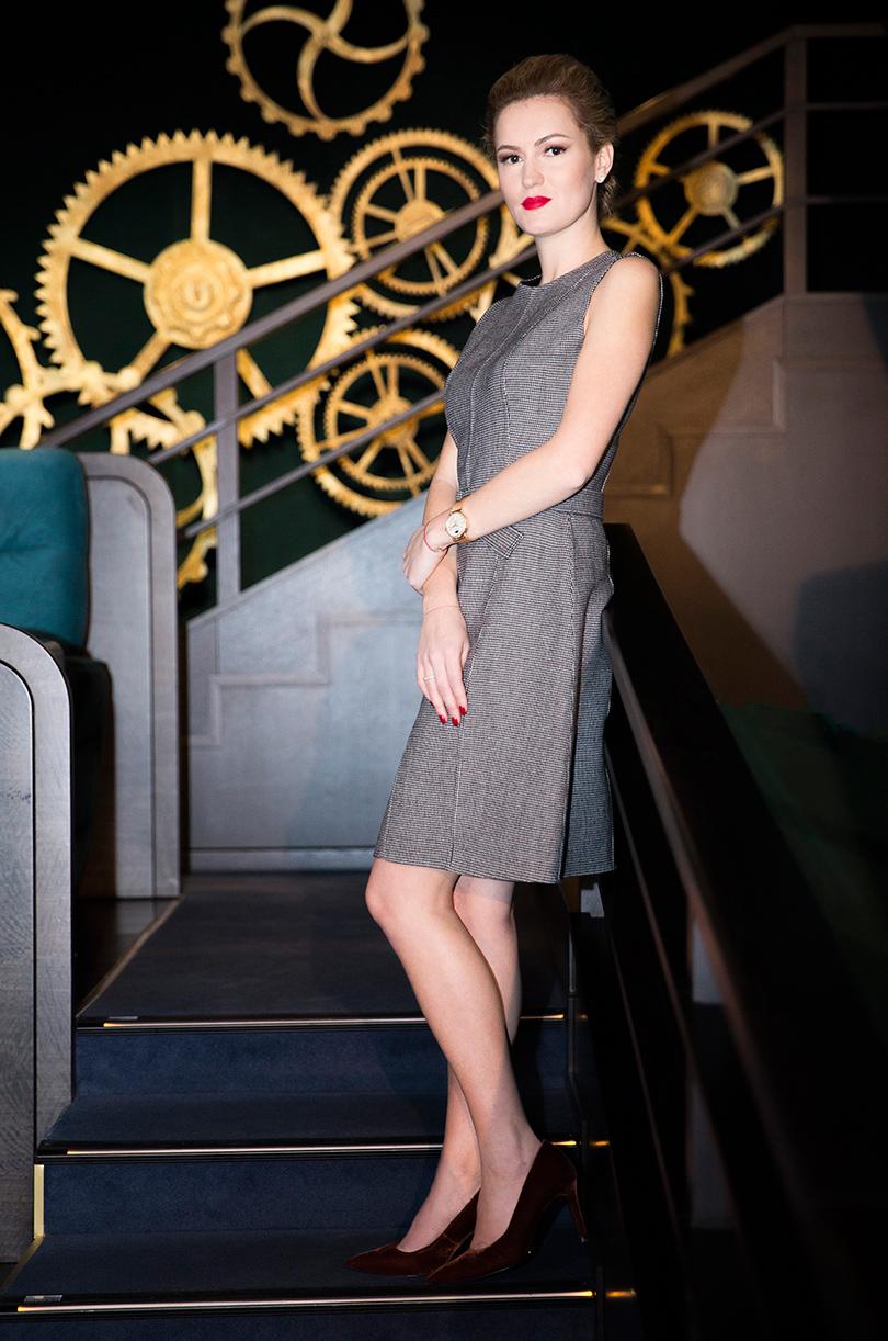 Woman in Power: Рената Пиотровски. НаРенате: платье Boss, туфли Uterque, часы IWC Portofino Automatic37 Moon Phase
