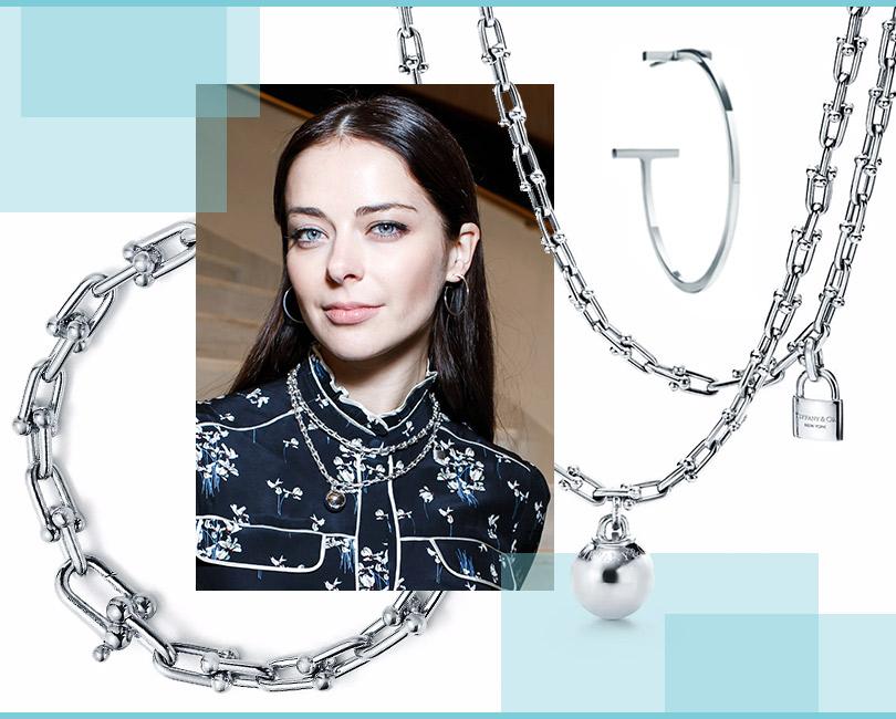 Марина Александрова всерьгах TiffanyT, ожерелье ибраслете Tiffany HardWear