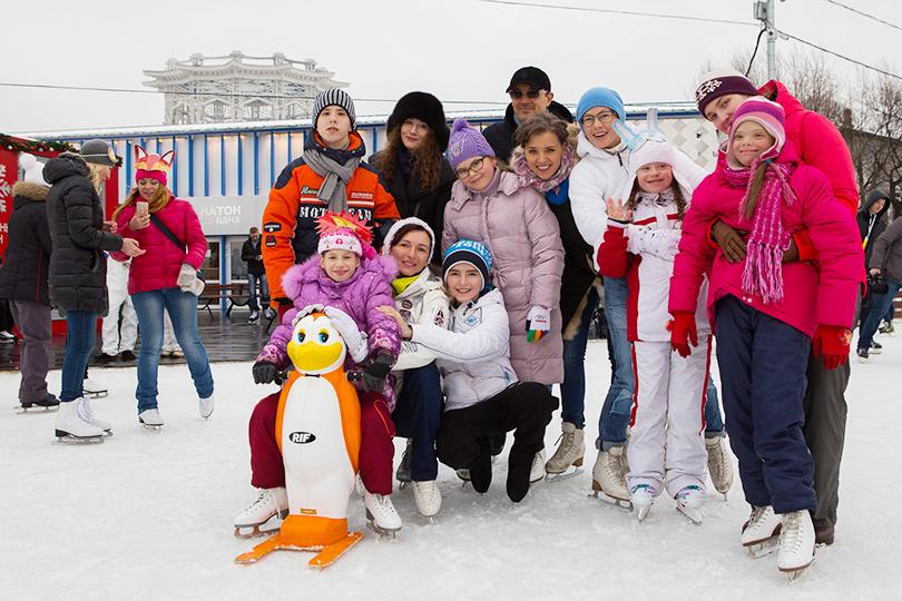 Благотворительный день на катке ВДНХ: Егор Бероев, Ксения Алферова и Алена Бабенко
