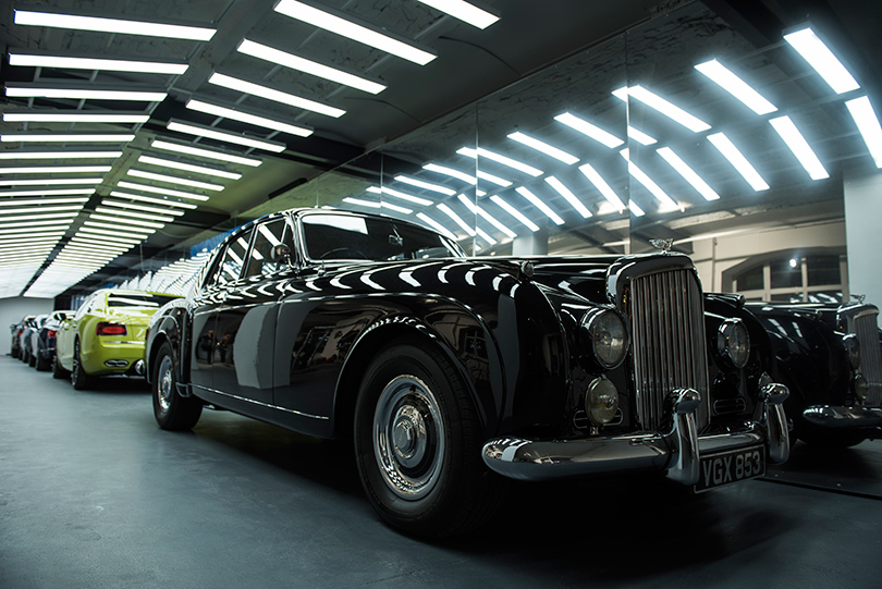 Светская хроника: премьера новых моделей Bentley на выставке Bentley. Be Extraordinary