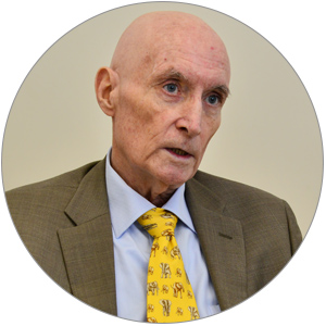 Роберт Янг, профессор медицины, ведущий семейный врач, педиатр клиники GMS Clinic