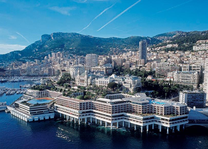 Pop-up клуб Nikki Beach на крыше отеля Fairmont Monte Carlo