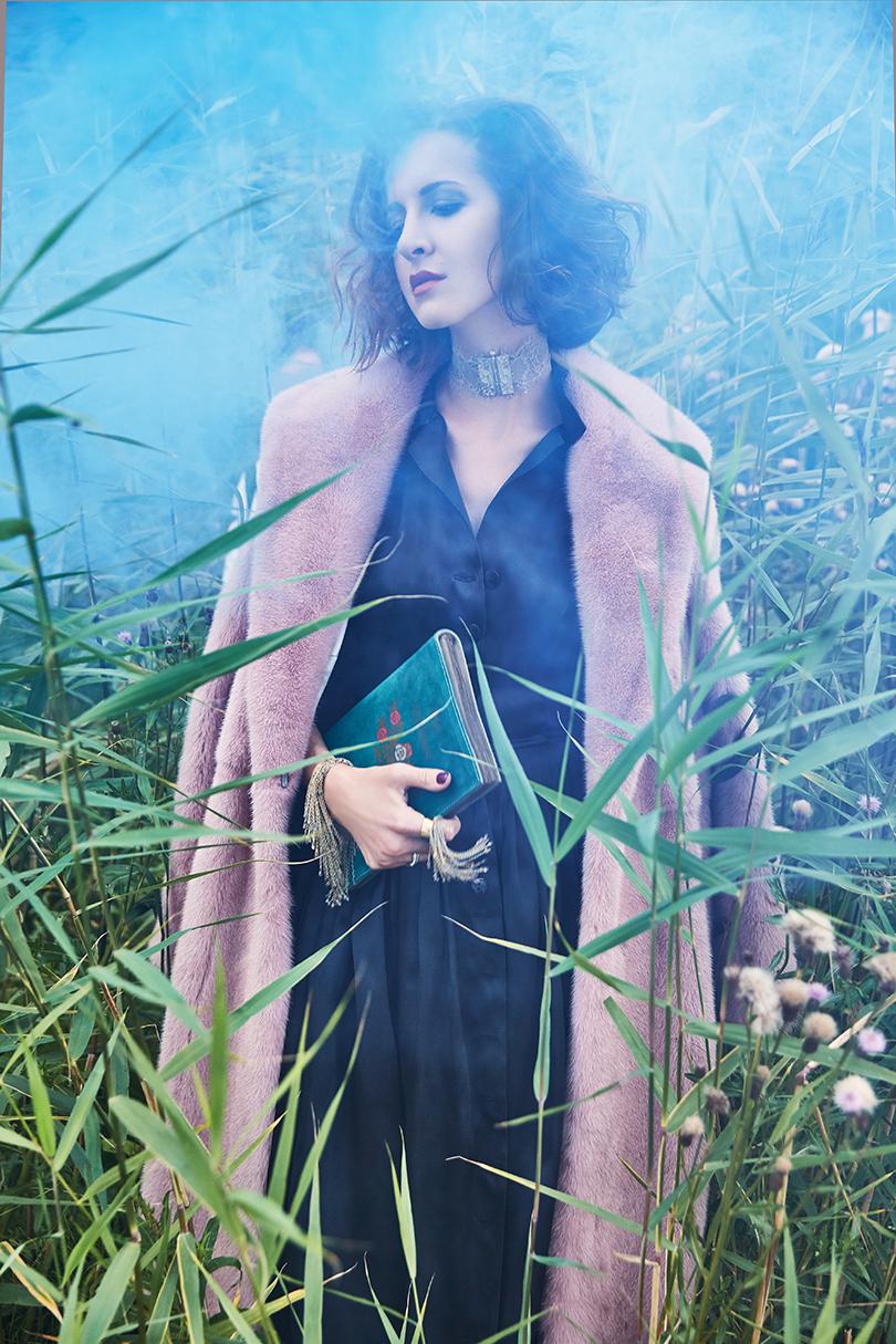 Style Notes: Матильда Шнурова в модной съемке с российскими дизайнерами