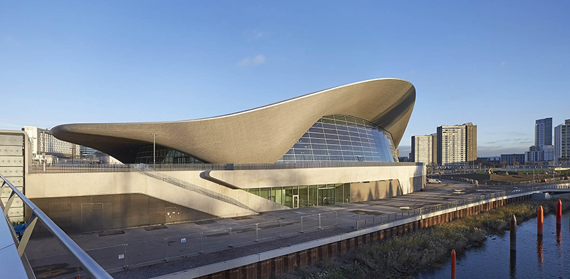 Центр водных видов спорта вЛондоне для Олимпийских игр 2012года. Один изсамых масштабных проектов Захи Хадид