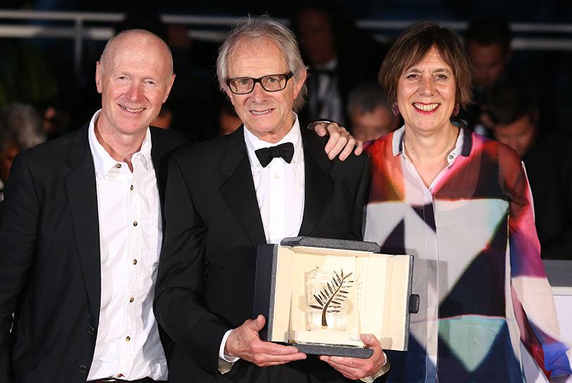 Cannes 2016: гости церемонии закрытия и победители 69-го Каннского кинофестиваля. Команда фильма «Я, Дэниэл Блэйк»: Пол Лаверти, режиссер Кен Лоуч, Ребекка О'Брайен