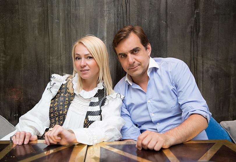 Яна иИлиас выбрали для встречи иинтервью уютный московский ресторан LaStanza